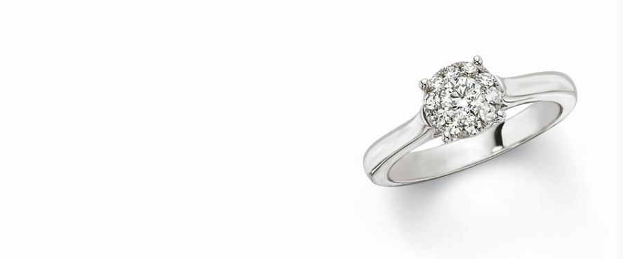 diamond-solitaire-engagement-ring-warrenton